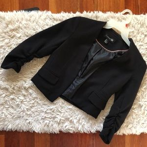 FOREVER21: Small black cropped blazer